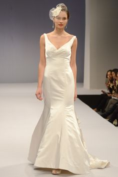 Anne Barge – Bridal Fall 2013 TAGS:Empire line, Fishtail, Floor-length, Cream, Anne Barge, Silk, Elegant, Romantic