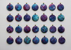 Splatter azul e Colar Roxo, Galaxy impressão Jóias Galaxy Jewelry, Jóias Modern, Azul Colar roxa Jóias Constellation Abstract
