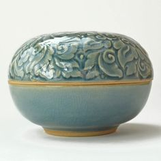 Celadon Ceramic Box - Handcrafted, gorgeous box. Unique gift for a special woman. Fair trade from Thailand. #giftidea