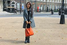 from fashionpopqueen.com Madewell, Tote Bag, People, How To Wear, Fashion, Fashion Styles, Carry Bag, Tote Bags, Fasion