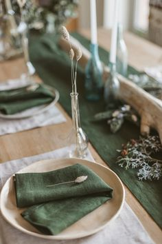 Soft Linen Table Runner - Natural Linen Table Decor Our natural linen table runners will enrapture you with simple forms, clear colors and nature breath in your home. Dinner Sets, Dinner Table, Dinner Plates, Casa Atrium, Green Table, Table Set Up, Pottery Plates, Decoration Table, Cake Plates
