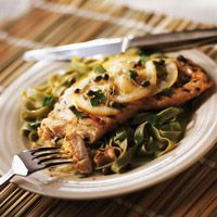 Grilled Turkey Piccata - Fresh herbs season grilled turkey in this new twist on an Italian classic. Serve it with spinach fettuccine Grilling Recipes, Lunch Recipes, Healthy Recipes, Dishes Recipes, Summer Recipes, Healthy Foods, Healthy Eating, Turkey Tenderloin, Tenderloin Steak
