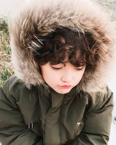 pinterest ─ floralraine ♡ Cute Asian Babies, Korean Babies, Asian Kids, Cute Babies, Preteen Fashion, Cute Kids Fashion, Baby Boy Fashion, Little Babies, Baby Kids