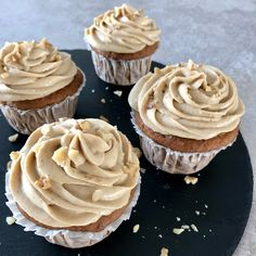 Brownie Cupcakes, Danish Food, Mini Muffins, Frosting, Mousse, Cheesecake, Food And Drink, Favorite Recipes, Desserts