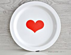 Vintage Enamel Tray White Red Heart Finel by SimplyLoveNordic, €35.00