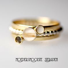 Ring with milk, ash and a lock of hair. Gold and silver. For a powermama. Emerald Cut Diamonds, Diamond Cuts, Women Jewelry, Fashion Jewelry, Rings For Men, Handmade Jewelry, Jewelry Design, Wedding Rings, Bling