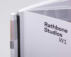 New design cover portfolio book binding ideas Book Portfolio, Mise En Page Portfolio, Portfolio Design, Portfolio Format, Portfolio Covers, Logo Design, Brochure Design, Print Design, Luxury Brochure