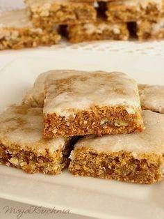 Gingerbreads with Basel - & Läckerli& Yummy Treats, Sweet Treats, Yummy Food, Christmas Desserts, Christmas Baking, Baking Recipes, Cookie Recipes, Polish Recipes, Food Cakes