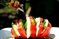 Tomato Caprese Salad {All Fanned Out} - with a homegrown tomato?  Oh yessss, Please!