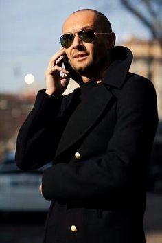 On the Street….Milan V., Milan « The Sartorialist Japanese street fashion 1950s Jacket Mens, Cargo Jacket Mens, Grey Bomber Jacket, Green Cargo Jacket, Leather Jacket, Mode Masculine, Oscar Wilde, Milan Vukmirovic, Khaki Parka