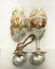 """Бокалы, стаканы ручной работы. Ярмарка Мастеров - ручная работа. Купить Пара свадебных бокалов """"Птицы Морриса"""". Handmade."""
