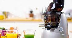 Faites de délicieux jus de fruits et légumes grâce à cet extracteur de jus Valeur Nutritive, Guide, Kitchen Appliances, Fresh Squeezed Juices, Vacuum Flask, Kitchen Nook, Food, Diy Kitchen Appliances, Home Appliances