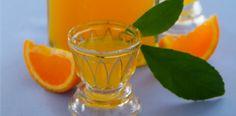 L'Arancellu, liqueur à base de zestes d'oranges (petit frère du Limoncellu) En Corse, les liqueurs sont plutôt courantes. Que ce soit pour l'apéritif ou plus communément en digestif, les corses raffolent de ces boissons généralement fortement alcoolisées et servies très fraîches. Liqueur de myrte, de châtaigne, cédratine, limoncellu…