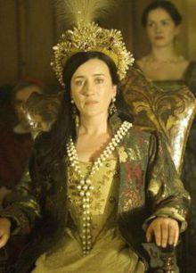 Queen Katherine of Aragon, First Wife of Henry VIII The Tudors - Maria Doyle Kennedy Los Tudor, Tudor Era, Anne Boleyn, Katharina Von Aragon, Tudor Series, Downton Abbey, The Tudors Tv Show, Costume Renaissance, Tudor Fashion