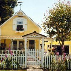 Dreamy beach cottages