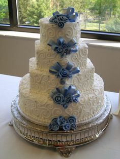 beautiful wedding cake by the sweetest day in nashville