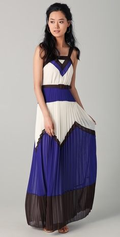 just saw this dress in person at Nordstrom & its even better than the pic