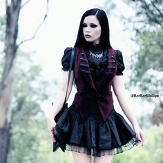 Model: ReeRee Phillips Photo by alterd_mind Welcome to Gothic and Amazing |www.gothicandamazing.com
