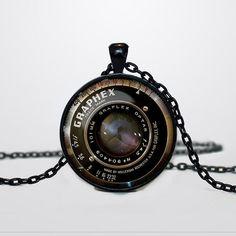 Appareil photo objectif Vintage grahpex par TheBlackCatPendants