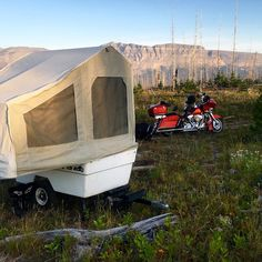 Mini Mate Motorcycle Camper by Kompact Kamp Trailers. Pull Behind Motorcycle Trailer, Pull Behind Campers, Motorcycle Campers, Outdoor Rooms, Outdoor Gear, Small Trailer, Cargo Trailers, Canopy Tent, Tent Camping