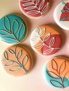 Leaf Cookies, Mother's Day Cookies, Summer Cookies, Fall Cookies, Flower Cookies, Cute Cookies, Cupcake Cookies, Cookies Et Biscuits, Sugar Cookie Icing