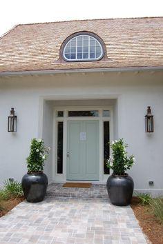 Coastal Living último Beach House-frontal exterior de la puerta