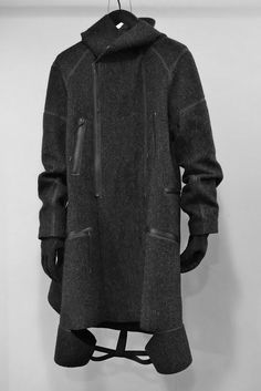 Visions of the Future: Aitor Throup #menswear #coat
