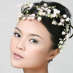 Makeup Artist Liren Neo is part of a rare breed of Professional Makeup Artist Consultant in Singapore that available for bridal, weddings, fashion events and photoshoots. Asian Bridal Makeup, Professional Makeup Artist, Studio Portraits, Photoshoot, Japanese, Beauty, Weddings, Modern, Fashion