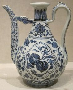 Chinese wine ewer, Ming dynasty, early 15th century, porcelain with glaze