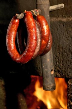 """Portuguese sausage - """"chouriço de fumeiro """" - Cured smoked chouriço (artisanal or industrial) is a only #portuguese tradition and can be eaten without cooking."""