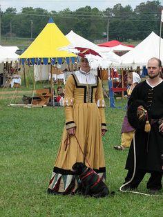 16th Century German kampfrau gown