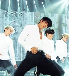 gif:kyungil | Tumblr << oh my lord ... and sweating too.....