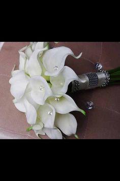 Cali Lilly n diamond bouquet
