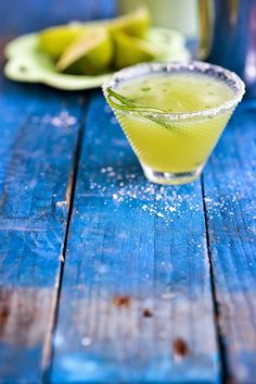 Cocktail Friday: Cucumber Mint Margarita | supergolden bakes