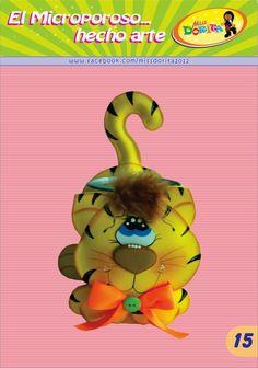 Miss Dorita Crafts For Kids, Applique, Ideas Para, Scrapbook, Holiday Decor, Christmas Ornaments, Erika, Pencil Holders, Drawings Of Cats