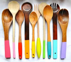 Little Bit Funky: painting wooden spoons! I may do this to my camping cooking utensils so the don't get mixed up with other peoples' stuff.