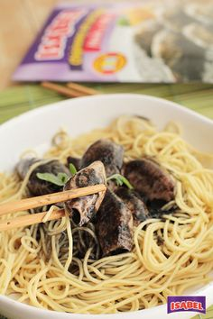 Noodles con chipirones en su tinta Isabel ¡fácil y rico!