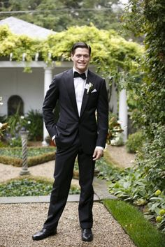 black tie groom look #groomattire #blacktie #weddingchicks http://www.weddingchicks.com/2014/04/09/english-garden-wedding-ideas/