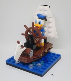 Lego Donald Duck Minifigures Vignette - New Ideas Lego Duplo, Lego Robot, Lego Minifigure, Lego Disney, Lego Design, Construction Lego, Lego People, Cool Lego Creations, Lego Worlds