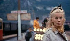 Behind the scenes at (The Umbrellas of) Cherbourg !