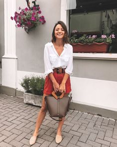 Discover recipes, home ideas, style inspiration and other ideas to try. Short Outfits, Spring Outfits, Cool Outfits, Casual Outfits, Fashion Outfits, Minimal Fashion, Work Fashion, Urban Fashion, Style Casual