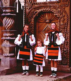 Traditional Villages of Northern Romania - Maramures - Travel and Tourism Information Romania People, Popular Costumes, Romanian Girls, Art Populaire, Folk Costume, My Heritage, Travel And Tourism, People Of The World, Beautiful Places To Visit