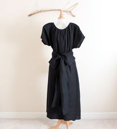 Hey, I found this really awesome Etsy listing at https://www.etsy.com/listing/107368040/custom-linen-many-moods-dress-with-1