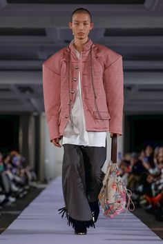 Vivienne Westwood Ready To Wear Fall Winter 2019 Paris Live Fashion, Fashion Show, Fashion Details, Fashion Design, Fashion Editor, British Style, Vivienne Westwood, Designing Women, Business Women