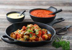 SPANSKE TAPASPOTETER – PATATAS BRAVAS Aioli, Frisk, Kung Pao Chicken, Tapas, Potatoes, Ethnic Recipes, Food, Potato, Essen