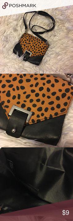 H&M crossbody leopard purse H&M crossbody leopard purse (please see measurements) H&M Bags Crossbody Bags