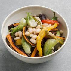 Ofengemüse-Salat Fruit Salad, Cobb Salad, Vegan, Food, Unstuffed Peppers, Dried Tomatoes, Salads, Fresh, Easy Meals