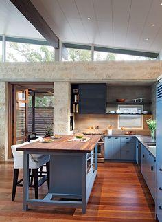 Los interiores son atemporales y confortables, con muy buena iluminación natural. | Galería de fotos 2 de 8 | AD MX