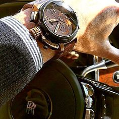 If your going to ride into the sunset .., do it in style  pc: @design.by_j  #uboat #uboatwatch #uboatwatches #chimera #bronzo #titanium #chronograph #timepiece #womw #watch #watchfam #watchnerd #watchaddict #instawatch #picoftheday #watchoftheday #limitededition #luxury #luxurylife ##rollsroyce