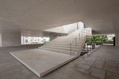 Generous staircase inside the Palacio de Justica de Gouveia by Barosa  Guimaraes Architects.